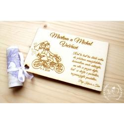 Dřevěné blahopřání novomanželům Motorka