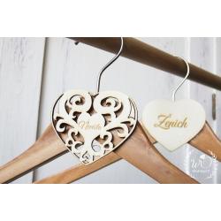 """Svatební dekorace na ramínko """"Nevěsta"""" - Jmenovky a vývazky"""
