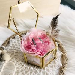 Zlatá krabička na prstýnky - terárium